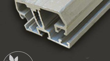 Intermediate profile of polycarbonate installation